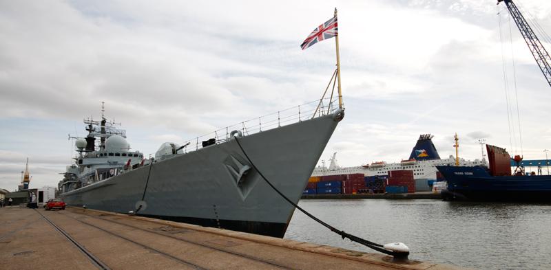 1-HMS_York_Bow1