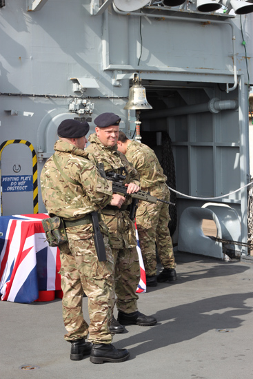27-HMS_York_Soldiers_armed