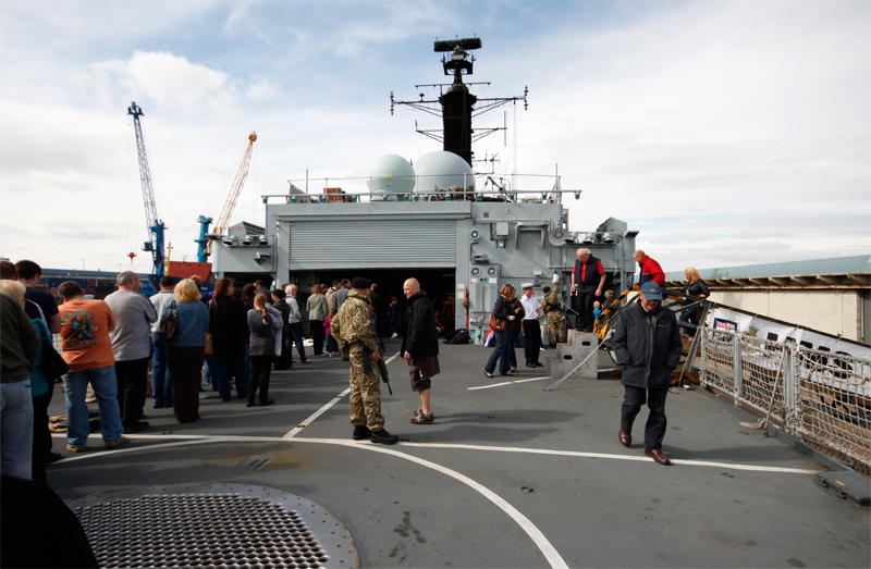 34-HMS_York_Stern_deck