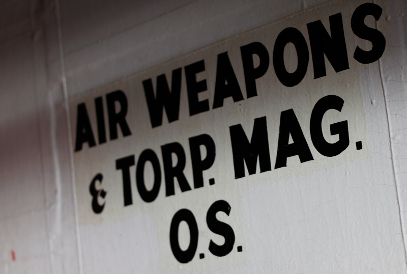 41-weapons_sign