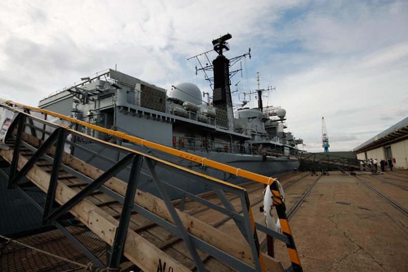 7-HMS_York_Gangway