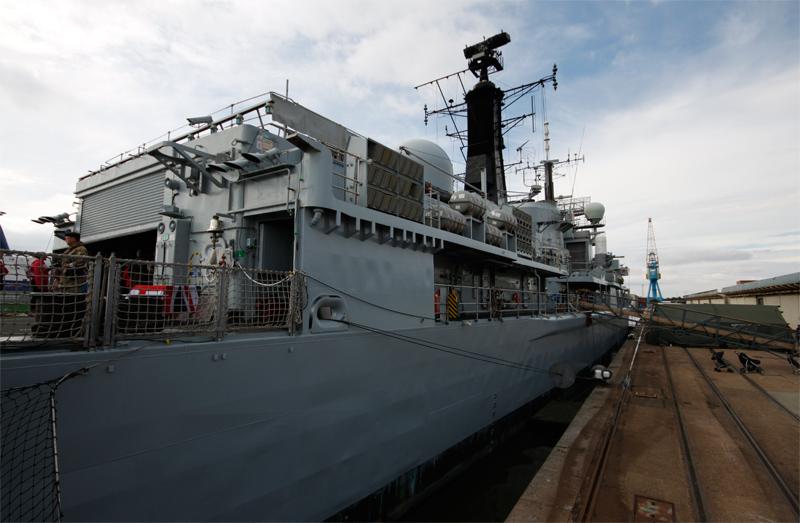 9-HMS_York_Port